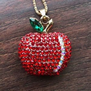BETSEY JOHNSON APPLE NECKLACE